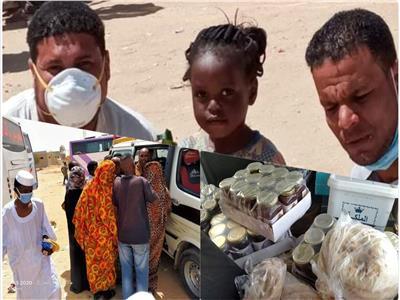 ملحمة صعيدية بـ«الصحراوي» .. قرية أقصرية تعزم 1200 سوداني