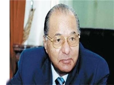 الدكتور محمود حمدي زقزوق