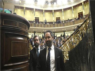 في إسبانيا  اليمين المتطرف يتبرع براتبه البرلماني لضحايا الكورونا