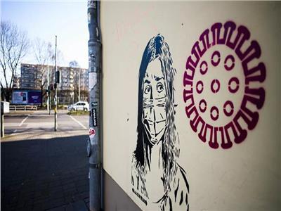 رسومات في شوارع برلين للتحذير من خطورة فيروس كورونا