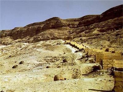 خليك في البيت... شاهد موقع جبانة بني حسن الأثرية عبر الإنترنت