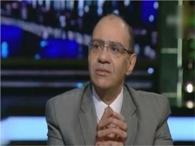 دكتور حسام حسني رئيس اللجنة العلمية