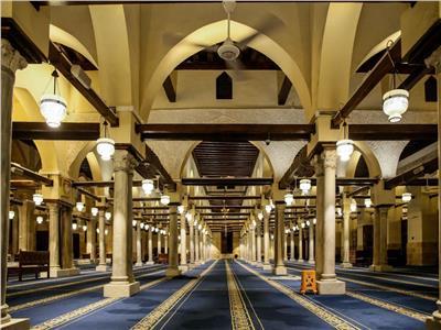 صلاة الفجر الأولى من الجامع الأزهر