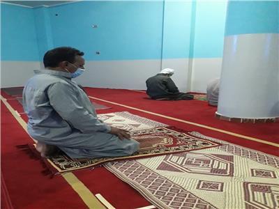 فرحة وبهجة بين الشراقوة لاعادة الحياة فى المساجد والمنشآت  دون سلام او مصافحة او معانقة