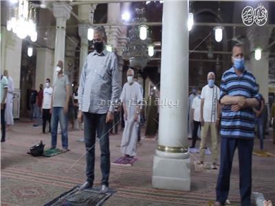فيديو /أول صلاة جماعة من مسجد السيدة زينب