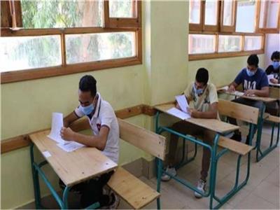 109 آلاف طالب وطالبة يؤدون امتحانات الدبلومات الفنية العملية