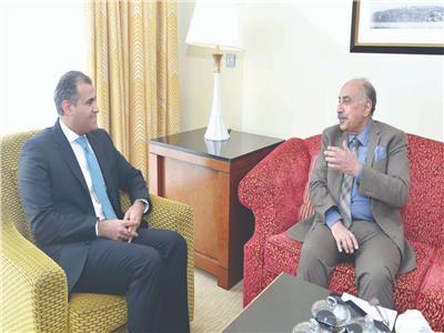 """وزير الخارجية اليمني خلال حواره مع """"الأخبار"""""""