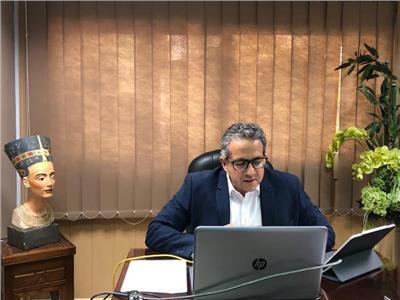 وزير السياحة و الاثار د. خالد  العناني