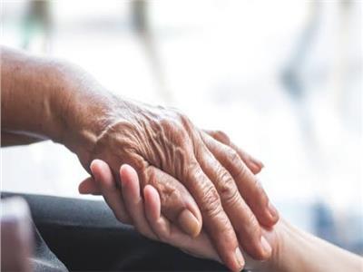 يحسن الحالة العامة ويرفع الطاقة.. التمر غذاء مثالي للمسنين