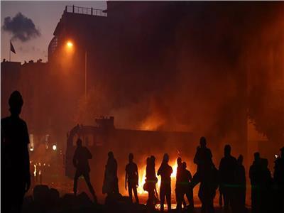 محتجون يقتحمون وزارتي التجارة والطاقة اللبنانيتين وجمعية المصارف