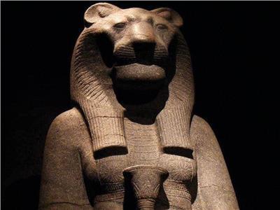 للجنس والحب والسعادة.. هرمونات تفرزها قوة إلهية «فرعونية»