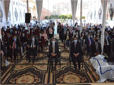 محافظ الغربية لأوائل الثانوية العامة: رفعتوا رأس محافظة الغربية وشرفتم أولياء أموركم