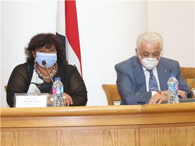 الدكتورة ايناس وزيرة الثقافة