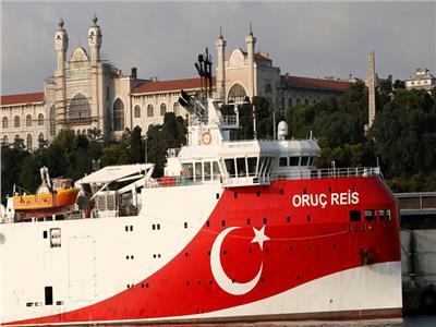 اصطدام بين سفينتين حربيتين يونانية وتركية
