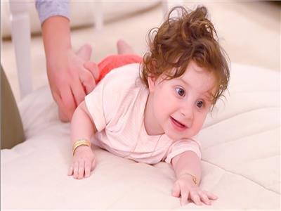 الطفلة إيلين