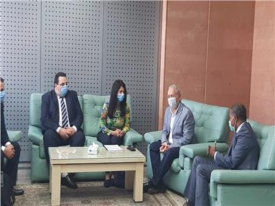 محافظ الأقصر يستقبل وزيرة التعاون الدولي بمطار ألأقصر الدولى
