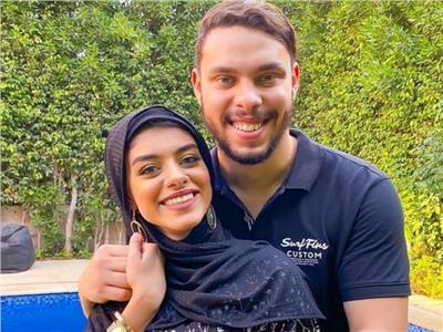 اليوتيوبرأحمد حسن وزوجته