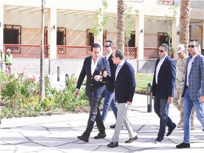 الرئيس السيسي يتفقد جامعة الملك سلمان الدولية بشرم الشيخ