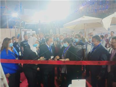 وزيرة الثقافة ومحافظ الاسكندرية يفتتحان معرض الاسكندرية للكتاب