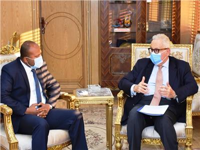 أثناء إستقبال الدكتور أحمد شعبان نائب المحافظ لسفير دولة إيطاليا بالقاهرة جامباولو
