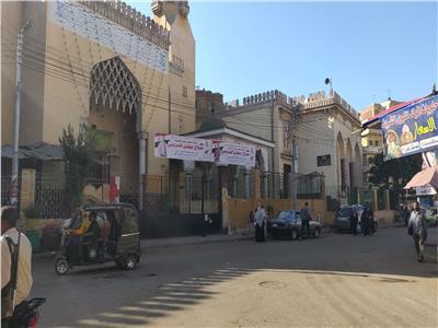 استخدام واجهات المساجد الكبرى للدعايه الانتخابية لمرشحى النواب بالمنوفيه!
