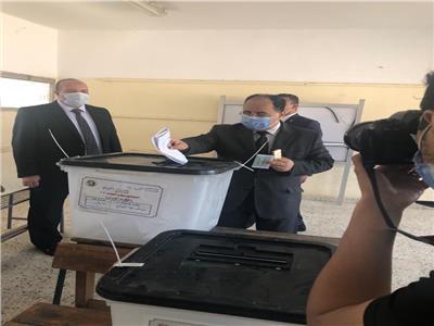 وزير المالية يدلي بصوته فى انتخابات مجلس النواب