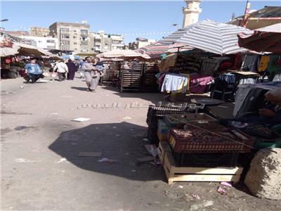 فوضى وإشغالات طريق بشارع يحيى في السويس
