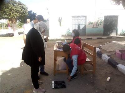 لجنة طبية لقياس الضغط والسكر فى لجان انتخابات المنيا