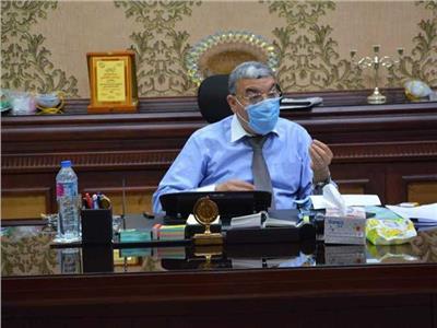 رئيس مجلس ابو قرقاص: يحيل 10 موظفين بالادارة الصحية بالمنيا