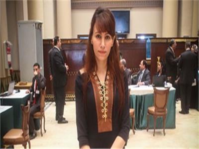 النائبة دينا عبد العزيز، عضو مجلس النواب والمرشحة على مقعد حلوان