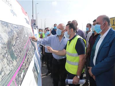 وزير النقل يتابعمعدلات تنفيذ أعمال التطوير والصيانة الشاملة بالطريق الدائري