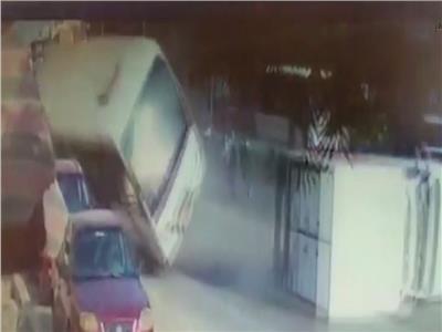 حادث إنقلاب أتوبيس مدارس فى مدينة نصر بسبب السرعة الجنونية