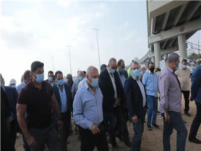 وزير النقل يتفقد مسار مشروعي المونوريل