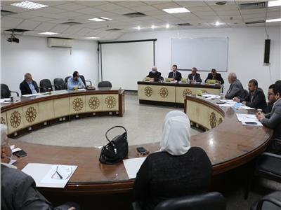 خلال مشاركته اجتماع لجنة التعليم الهندسي