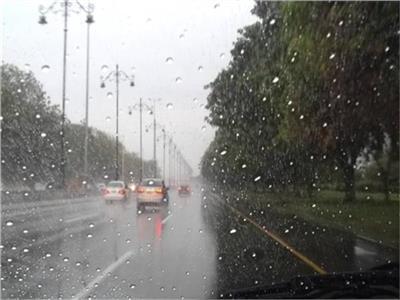 فيديوجراف | نصائح تهمك للتعامل مع مهمات الكهرباء أثناء سقوط الأمطار