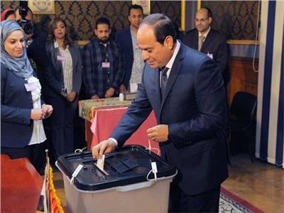 الرئيس السيسي خلال الإدلاء بصوته