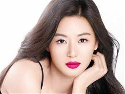 سر جمال بشرة وشعر النساء الكوريات