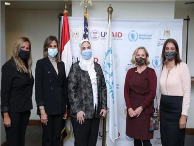 الدكتورة رانيا المشاط مع الدكتورة نيفين القباج