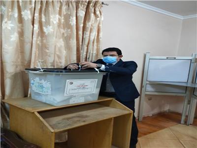 إغلاق اللجان الانتخابية