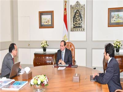 الرئيس السيسي خلال اجتماع مع مدبولي لبحث مخطط تنمية قرية الروضة