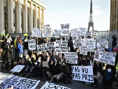 صورة لاحتجاجات سابقى ضد قانون الامن الشامل فى باريس (اف ب)