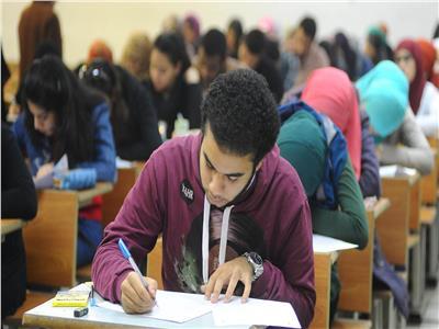 امتحانات سابقة لطلاب الثانوية
