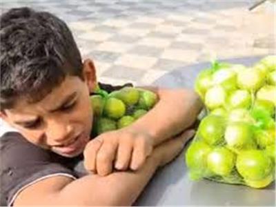 الطفل الشهير ببائع الليمون
