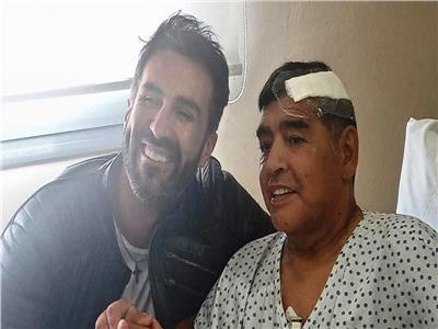مارادونا وطبيبه