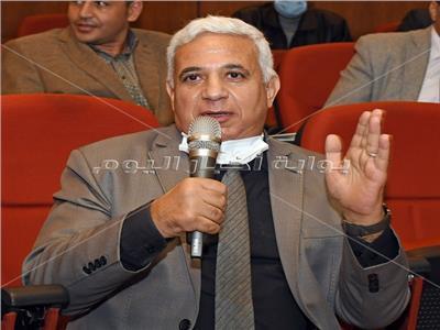الدكتور محمد سعد مساعد رئيس الشركة القابضة للادوية