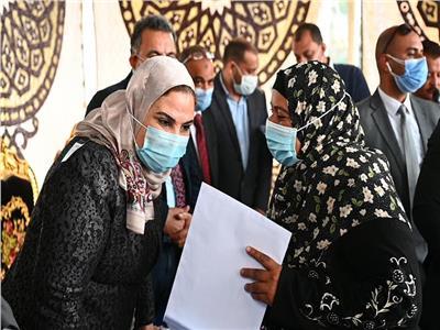 """وزيرة التضامن الاجتماعي تلتقي صيادات مطوبس ودسوق بـ""""كفر الشيخ"""""""