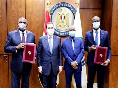 عقب توقيع اتفاقية بين البنك الأفريقي  (أفريكسم) ومؤسسة استثمارات الطاقة ا(إيكورب)
