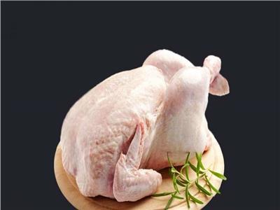 أجنحة من الدجاج غير المذبوح