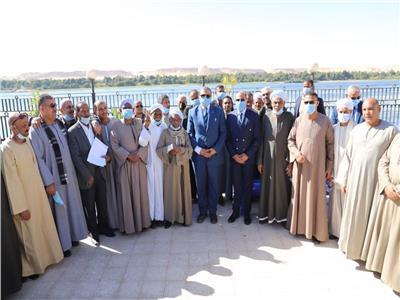 سعفان يلتقي صيادي بحيرة ناصر بأسوان