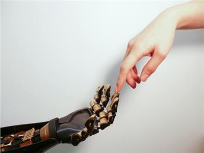 اختراع جلد يتفاعل مع الألم